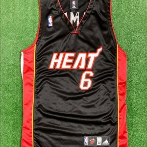 NBA. Miami Heat Lebron James 2010-11 Adidas Jersey